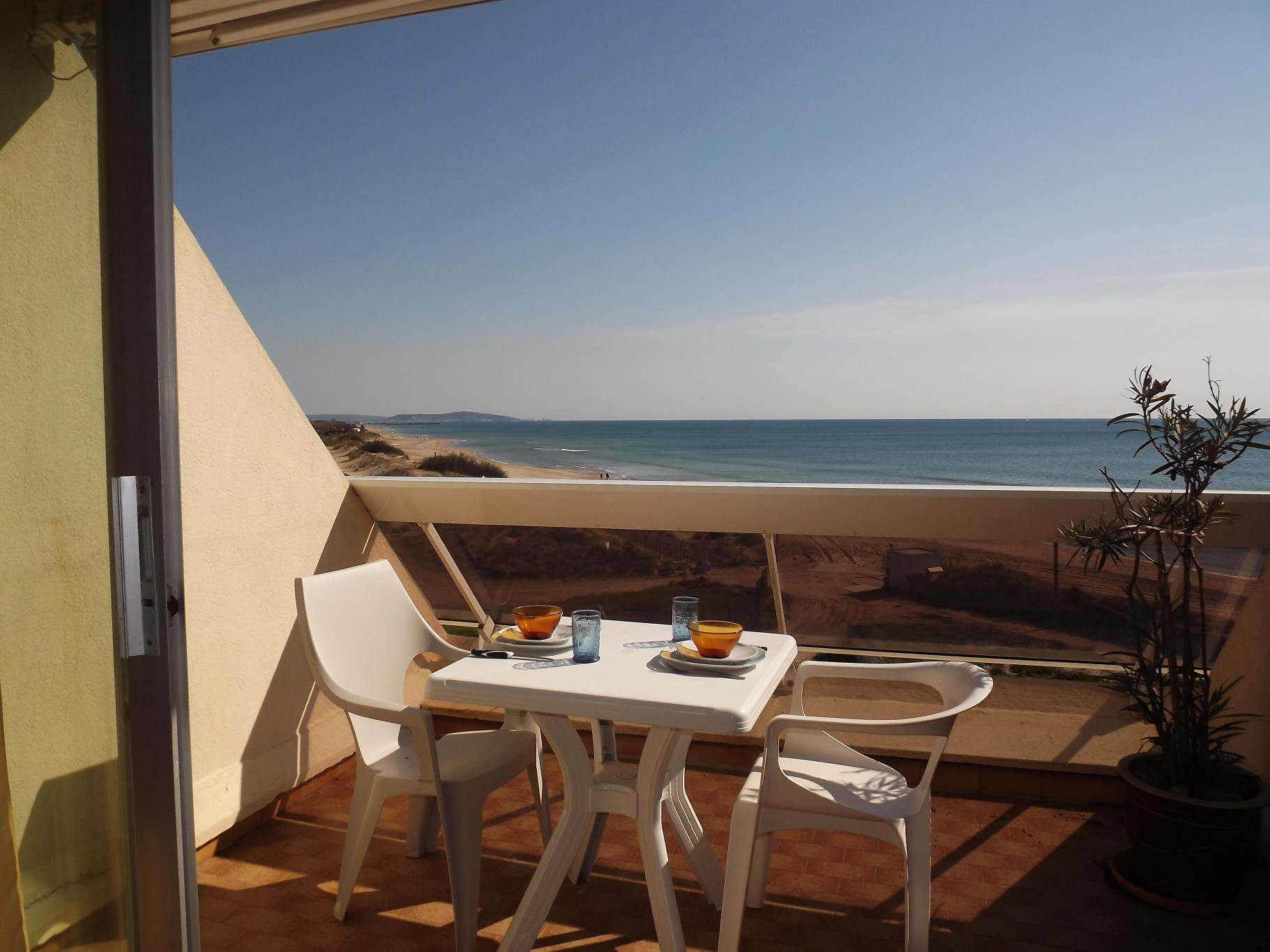 Cap d 39 agde location vacances appartement 15m2 44 for Axa immobilier location